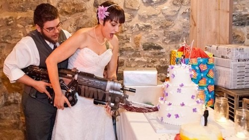 Gears of War,geek weddings,lancer,nerd wedding