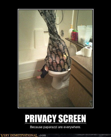 PRIVACY SCREEN Because paparazzi are everywhere.