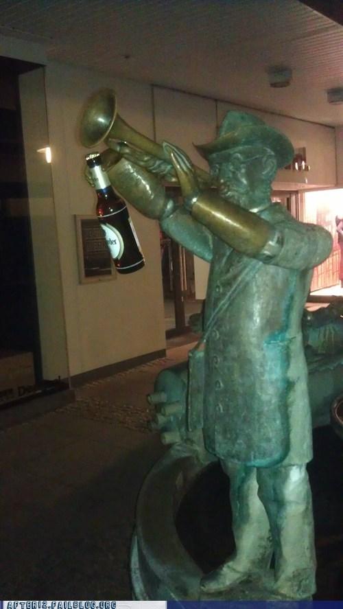 statue,beer,teddy roosevelt