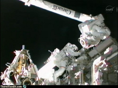 akihiko hoshide astronauts international space stati international space station ISS mbsu nasa space station space.com spacewalk sunita williams tifi win toothbrush - 6570199552