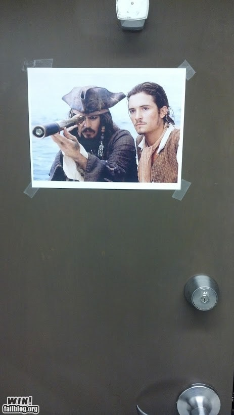 clever decorations door illusion Pirates of the Caribbean - 6570656768
