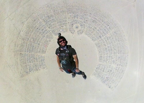 burning man,desert,photo of the day,skydiving