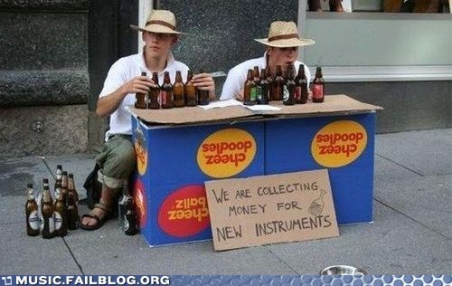 beer bottles beggars musical instruments - 6592331520