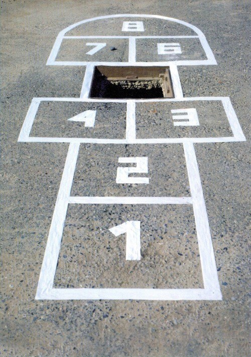 hole,hop scotch