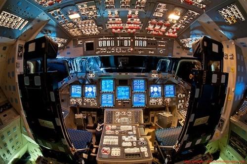 Atlanta,discovery,endeavour,flight deck,nasa,space shuttles