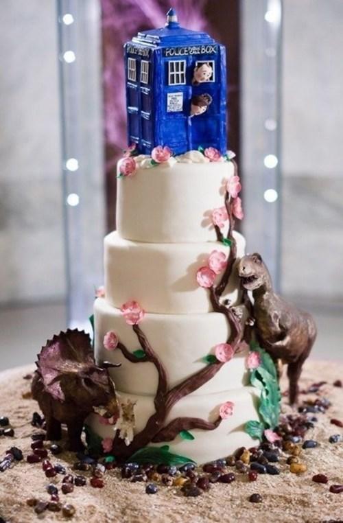 cake dinosaurs doctor who tardis - 6611618816