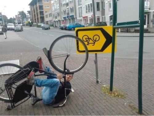 bike safety signs upsidedown - 6616071168