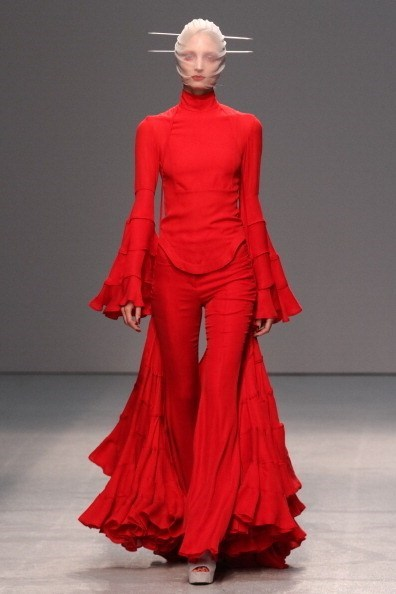 mask red runway