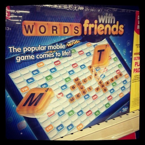 board game knockoff mobile phone scrabble Words With Friends
