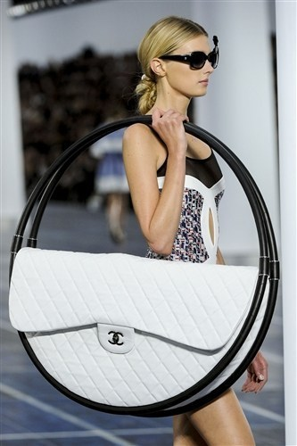chanel purse runway poorly dressed - 6631987456