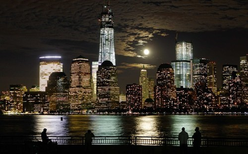 The Moon and Manhattan
