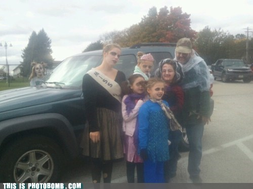 zombie,car,costume,halloween