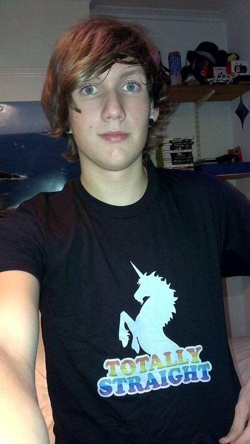 T.Shirt totally straight unicorns - 6665501440
