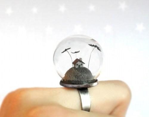ring,terrarium,snowglobe,halloween,spooky,house,bats,cute
