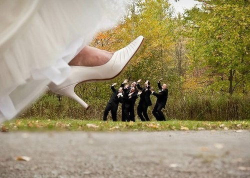 bride foot crush step stomp Groomsmen tiny giant - 6666440960