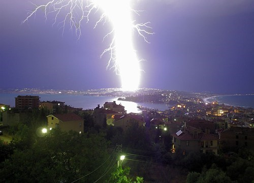 lightning,krakoom,Damn Nature U Scary,cityscape
