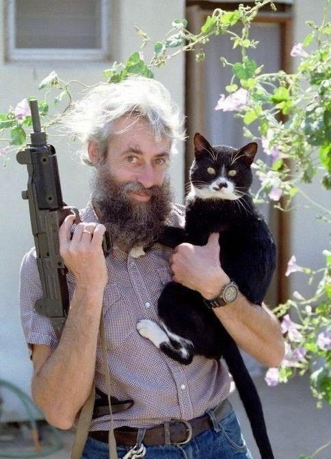 guns,cat,weirdo,creepy,cute