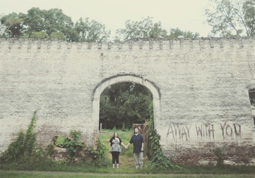 The Walking Dead,arch,wall,engagement photos