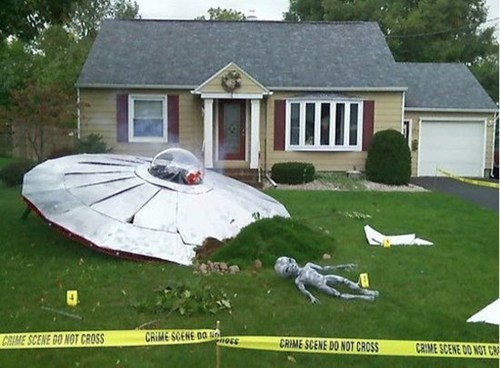 halloween,lawn,decorations,ufo,Aliens,roswell,best of week,Hall of Fame