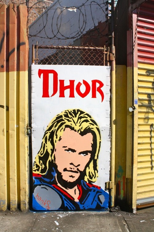Hanksy,Street Art,Thor,Dhor,marvel,Lord of the Rings