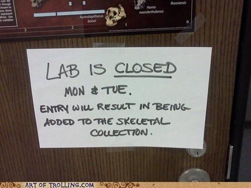 IRL,lab,sign