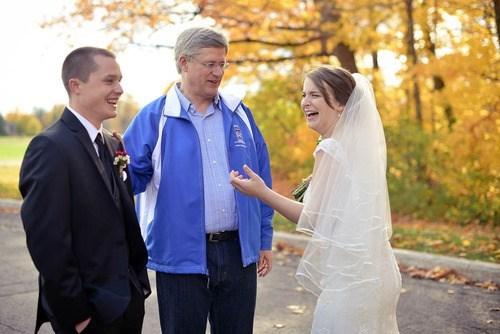 Canada,ottawa,prime minister,photobomb