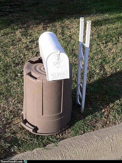 mailbox,trash bin,mailbox stand