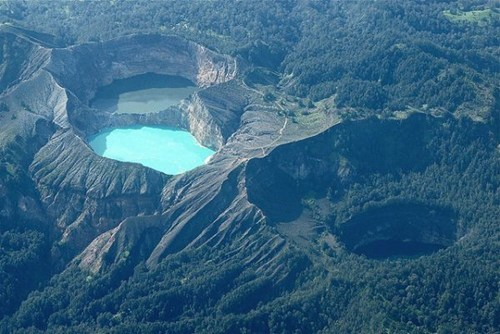crater,valley,lakes,pretty colors,landscape
