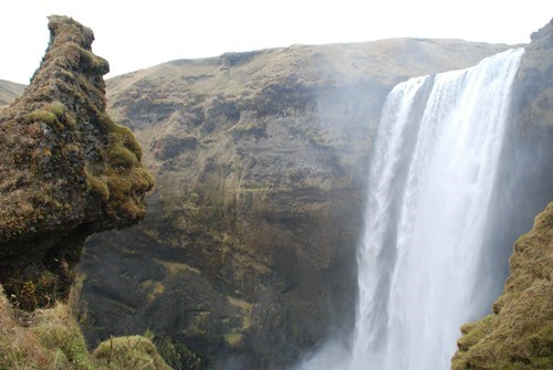 Iceland,face,totally looks like,waterfall