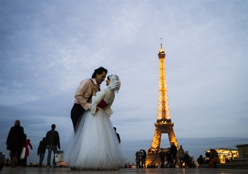 paris romantic eiffel tower - 6720798976