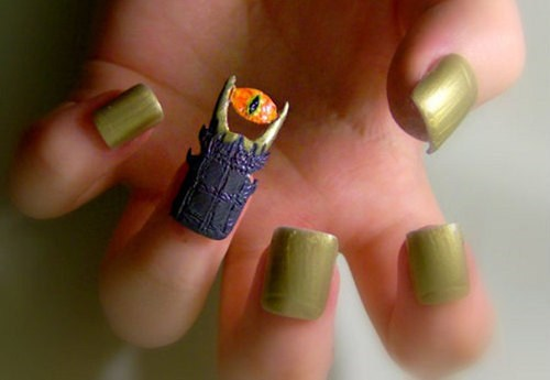 nails,fashion,sauron,Lord of the Rings,manicure,style,Eye of Sauron