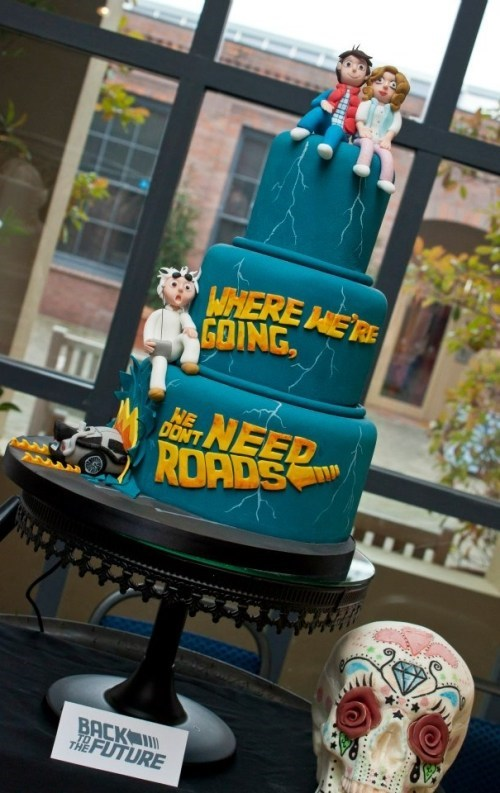 DeLorean back to the future Doc Brown wedding cake time travel roads marty mcfly - 6742156032