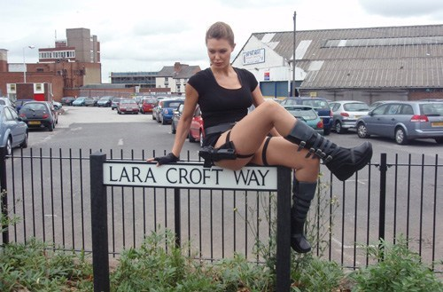 street lara croft nerdgasm spelunking video games - 6750157312