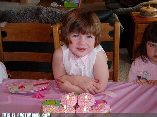 presents kids SOON birthday party - 6764467456