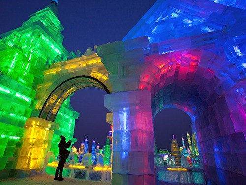 China sculpture design ice festival pretty colors
