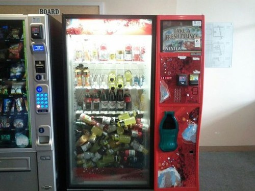 drink,malfunctioning,vending machine,free stuff