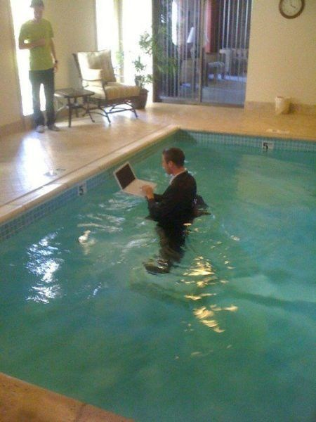 hotel,internet,working,pool,laptop