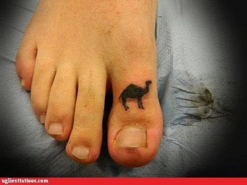 camel,toe tattoos
