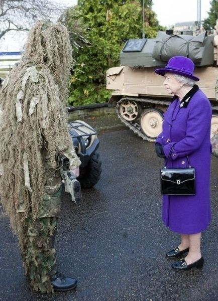 queen elizabeth camouflage military - 6818460416