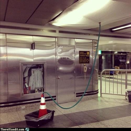 airport,laguardia,ceiling leak