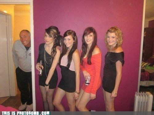 girls,dad,photobomb level