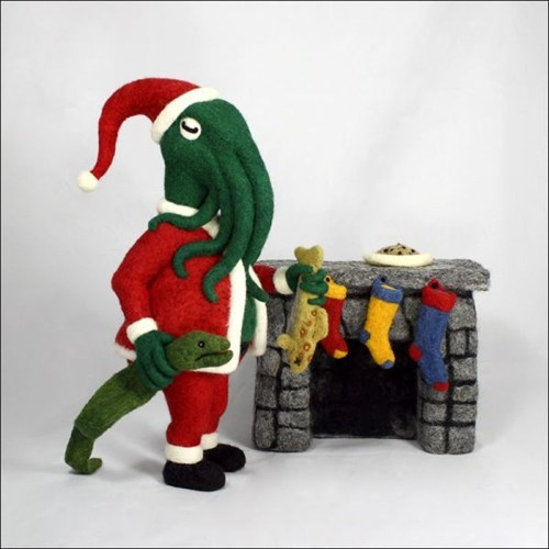 christmas,art,scuplture,santa,stockings,felted,cthulhu