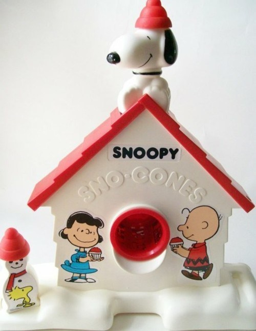 sno cones,nostalgia,snoopy,dog house,plastic,machine