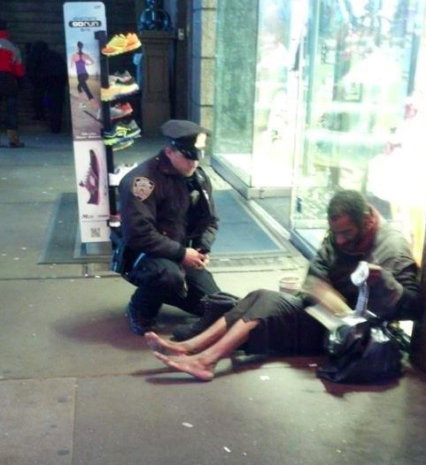 random act of kindness NYPD police - 6826925056