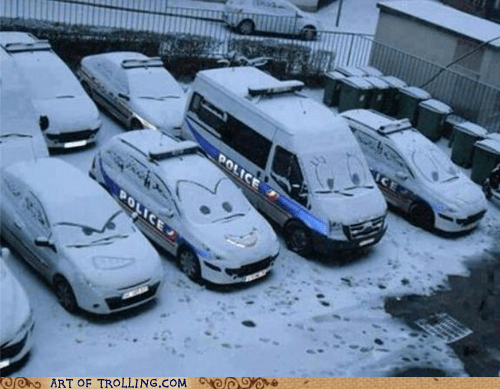 officer,snow,cars,problem,hijinks,winter