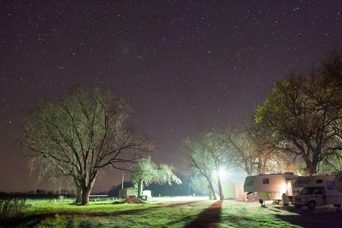 nighttime,camping