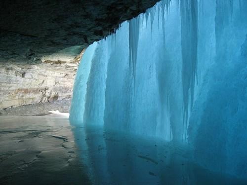 ice waterfall winter frozen - 6872119040