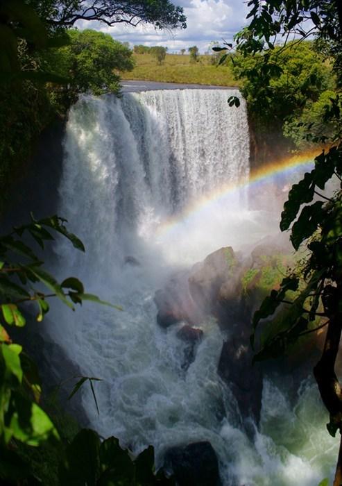 waterfall,rainbow