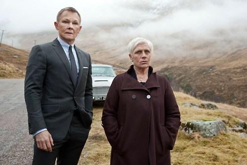 Daniel Craig actor james bond 007 face swap judy dench funny - 6877967872