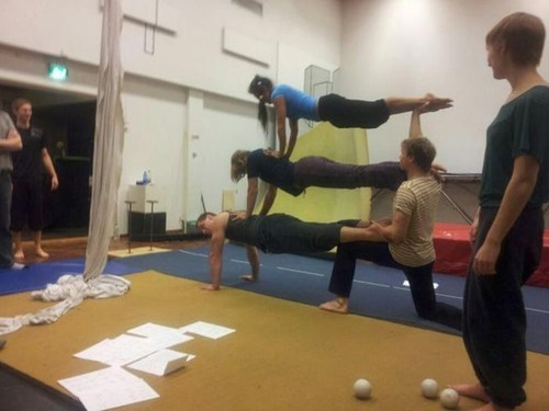 gymnastics balance stacking - 6878875904